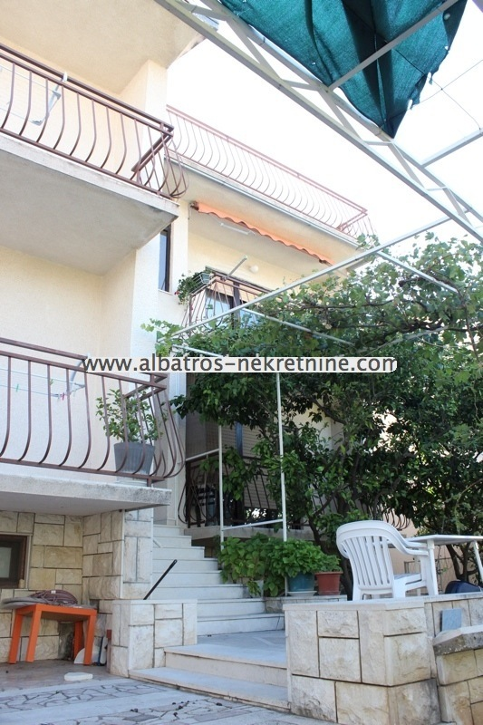 Baska Voda, Apartment-house, perfect for sale.